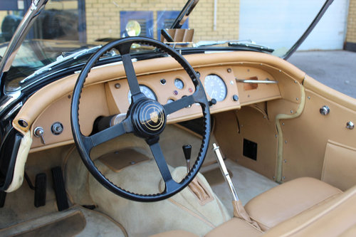 1955 Jaguar XK140 MC Roadster For Sale in London ( LHD  SOLD (picture 5 of 6)