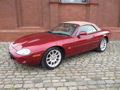 1999 JAGUAR XKR CONVERTIBLE 4.0 SUPERCHARGED AUTO For Sale (picture 1 of 6)