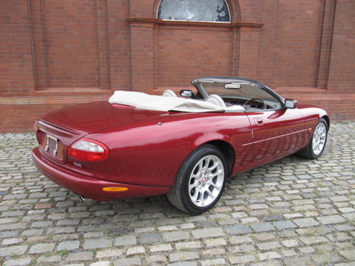 1999 JAGUAR XKR CONVERTIBLE 4.0 SUPERCHARGED AUTO For Sale (picture 2 of 6)