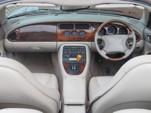 1999 JAGUAR XKR CONVERTIBLE 4.0 SUPERCHARGED AUTO For Sale (picture 3 of 6)