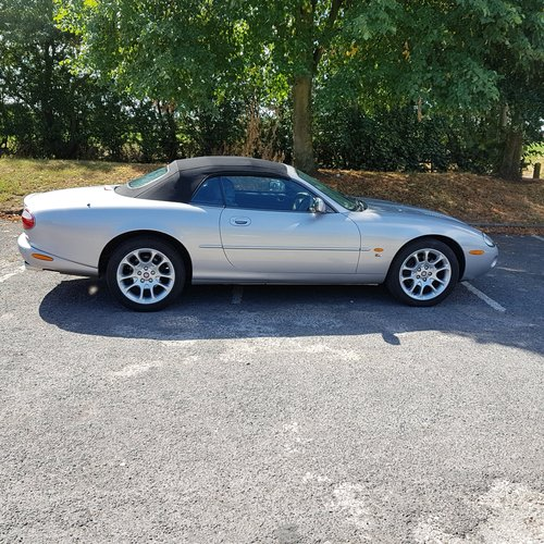 2001 JAGUAR XKR CONVERTIBLE For Sale (picture 1 of 6)