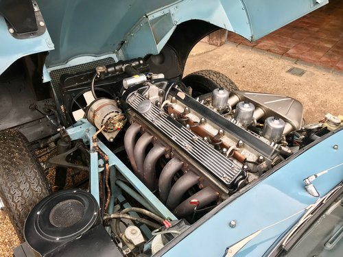 1969 JAGUAR E-TYPE S2 ROADSTER, U.K. RIGHT-HAND DRIVE SOLD (picture 6 of 6)
