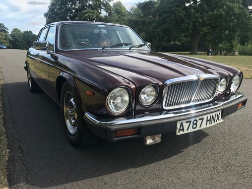 1983 Jaguar XJ6 totally Original Low mileage Service History SOLD (picture 2 of 6)
