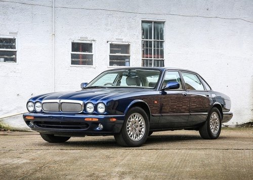 1997 Jaguar XJ8 3.2 V8 ( 3600 Km only ) For Sale (picture 1 of 6)