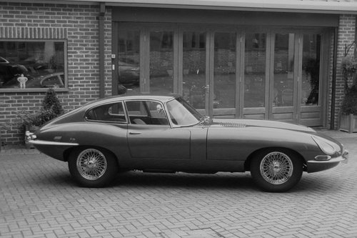 1964 JAGUAR E-TYPE 4.2 FIXED HEAD COUPE SERIES 1 - SIR JACK  SOLD (picture 1 of 1)