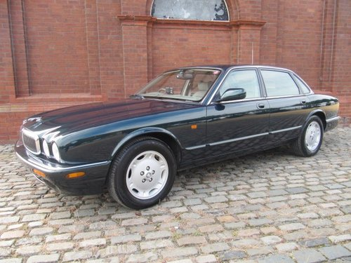1998 JAGUAR XJ8 XJ 3.2 EXECUTIVE * ONLY 12000 MILES FROM NEW For Sale (picture 1 of 6)