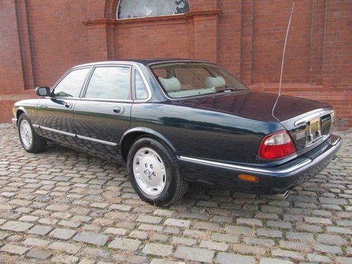 1998 JAGUAR XJ8 XJ 3.2 EXECUTIVE * ONLY 12000 MILES FROM NEW For Sale (picture 2 of 6)