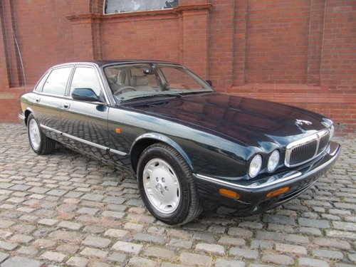 1998 JAGUAR XJ8 XJ 3.2 EXECUTIVE * ONLY 12000 MILES FROM NEW For Sale (picture 3 of 6)