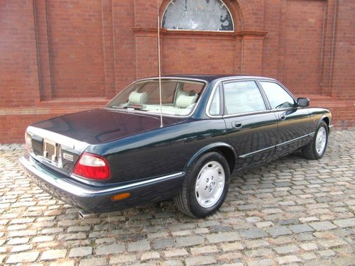 1998 JAGUAR XJ8 XJ 3.2 EXECUTIVE * ONLY 12000 MILES FROM NEW For Sale (picture 4 of 6)