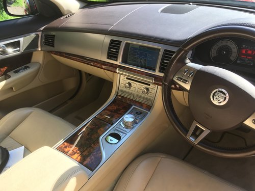2009 Jaguar XF  S. Diesel Sport Luxury SOLD (picture 4 of 6)