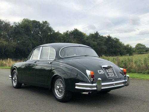 1961 Jaguar MK II 3.8 Manual Overdrive SOLD (picture 4 of 6)