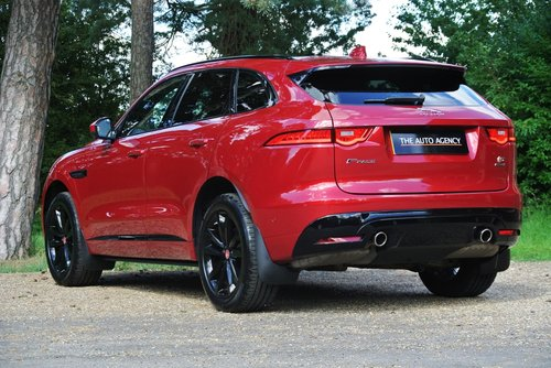 2016 JAGUAR F-PACE V6 S AWD **PAN ROOF & ADV PARKING PACK** For Sale (picture 2 of 6)