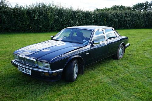 1987 ROYAL BLUE JAGUAR SOVEREIGN 3 6 AUTO For Sale | Car And
