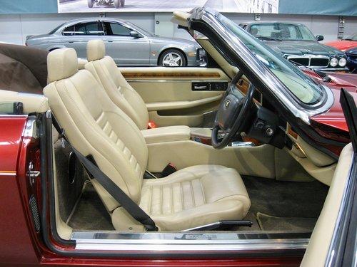 1993 Jaguar XJS 5.3L V12 Convertible For Sale (picture 4 of 6)