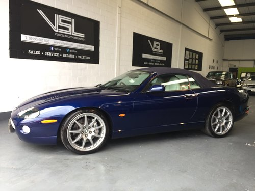 2005 Jaguar XKR 4.2 V8 Supercharged 2dr Convertible For Sale (picture 4 of 6)