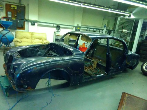 1965 Jaguar S TYPE body shell For Sale (picture 2 of 6)