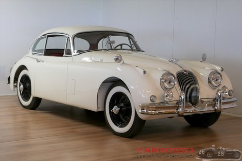 Jaguar XK150 3.4 FHC 1958 in fully restored condition For Sale (picture 1 of 6)