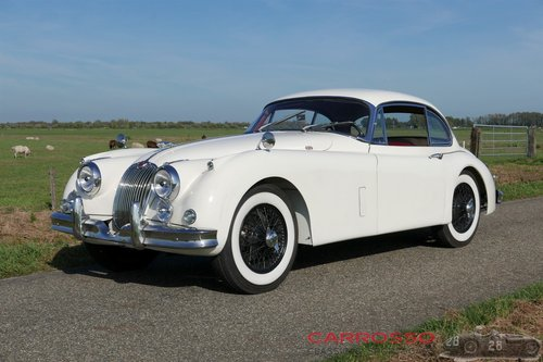 Jaguar XK150 3.4 FHC 1958 in fully restored condition For Sale (picture 2 of 6)