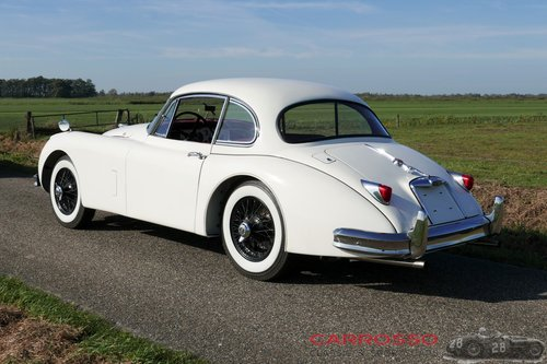Jaguar XK150 3.4 FHC 1958 in fully restored condition For Sale (picture 5 of 6)