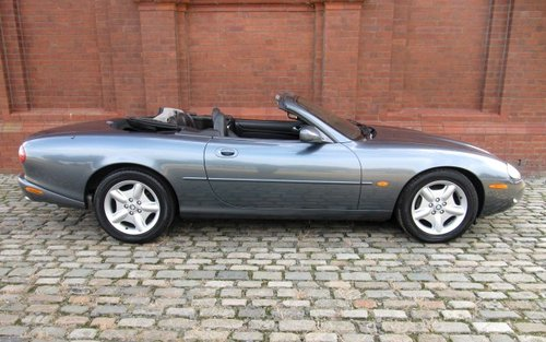 1996 JAGUAR XK8 CONVERTIBLE 4.0 SOFT TOP AUTOMATIC For Sale (picture 2 of 6)