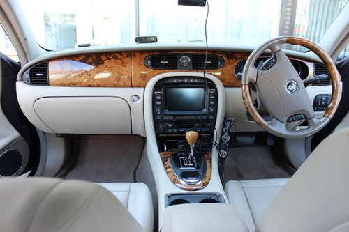 2005 JAGUAR XJ6 3.0 AUTOMATIC Petrol with Reverse Camer For Sale (picture 3 of 6)