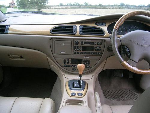 2000 Jaguar S-Type 4.0 Litre V8 Automatic  For Sale (picture 5 of 6)