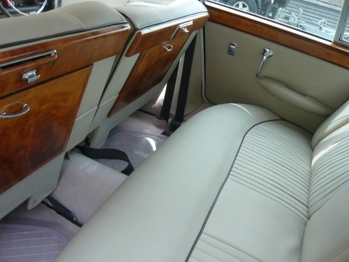 1970 Jaguar 420G Automatic Saloon. For Sale (picture 4 of 6)
