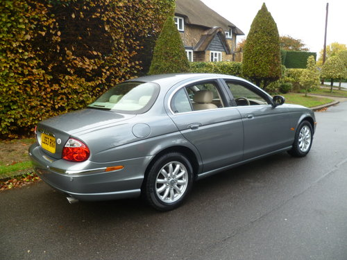 2003 JAGUAR S-TYPE 2.5 Ltr SE 35,000 miles only SOLD (picture 3 of 6)