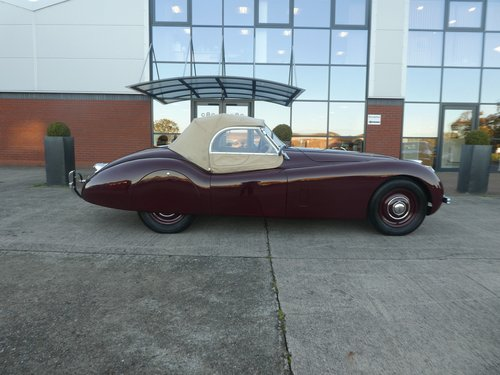 1952 Jaguar XK120 Roadster SOLD (picture 5 of 6)