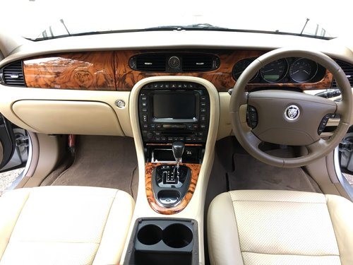 2009 Stunning Xj6 with only 45k miles, X358 one of the last! For Sale (picture 6 of 6)