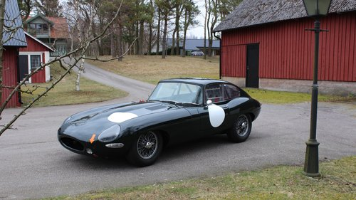 Jaguar E-type Coupé flat floor 1961 SOLD (picture 2 of 6)