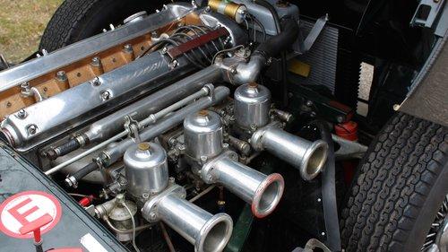 Jaguar E-type Coupé flat floor 1961 SOLD (picture 3 of 6)