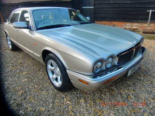 2000 RARE IN THIS CONDITION ONLY 67000 MILES STUNNING For Sale (picture 1 of 6)