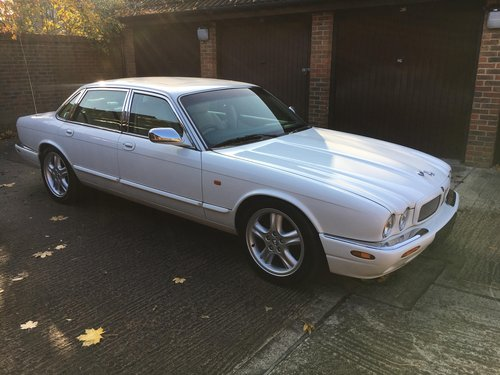 1998 Jaguar XJR original White with Ivory leather and Sunroof For Sale (picture 1 of 6)