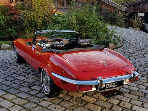 1971 Jaguar E-Type V12 Roadster, manual gearbox For Sale (picture 2 of 6)