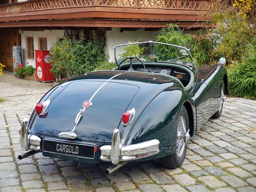 1956 Jaguar XK 140 OTS, completely restored For Sale (picture 2 of 6)