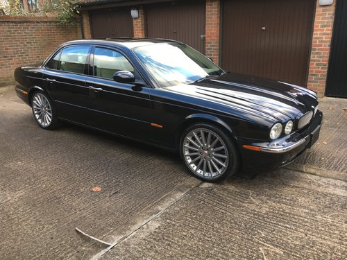 2004 Stunning Jaguar XJR with only 52k miles Sunroof 100 +Pics For Sale (picture 1 of 6)