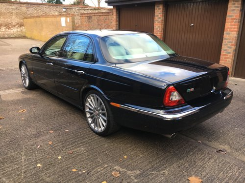 2004 Stunning Jaguar XJR with only 52k miles Sunroof 100 +Pics For Sale (picture 3 of 6)