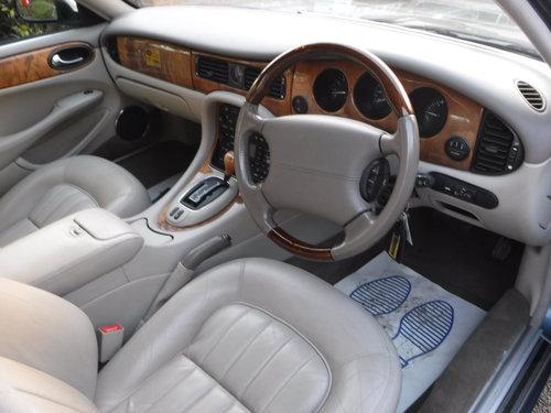 Jaguar XJ 3.2 XJ8 4dr 2000 (X reg), Saloon For Sale (picture 5 of 6)