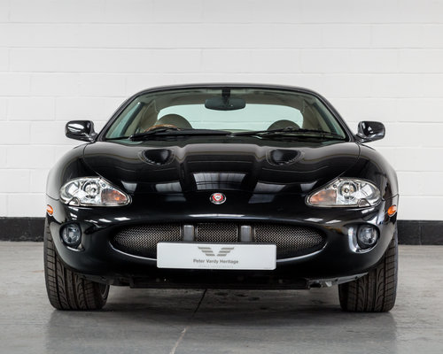 2000 JAGUAR XKR Supercharged Coupe-Outstanding History For Sale (picture 4 of 6)