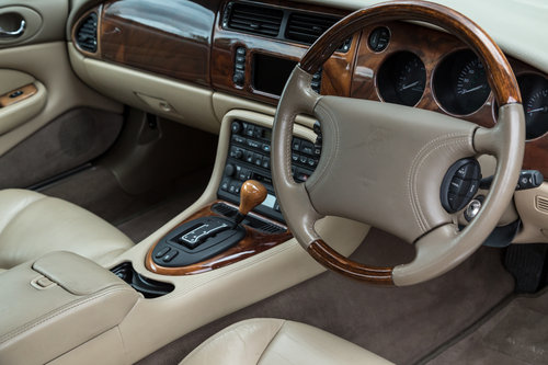 2000 JAGUAR XKR Supercharged Coupe-Outstanding History For Sale (picture 6 of 6)