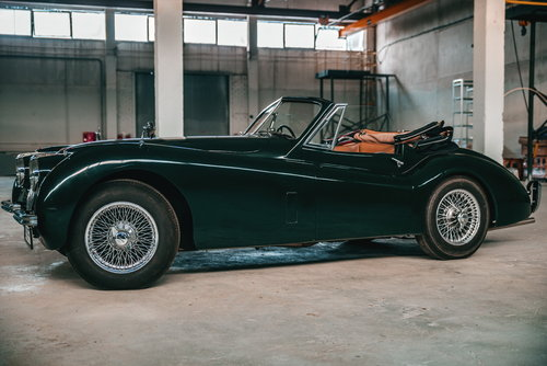 1953 Jaguar XK120 Drophead Coupe British Racing Green. For Sale (picture 3 of 6)