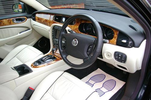 2008 Jaguar XJ 2.7 TD SOVEREIGN LWB Auto Saloon (19,543 miles) SOLD (picture 5 of 6)
