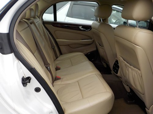 2006 JAGUAR XJ8 3.0 EXECUTIVE WITH LEATHER INTERIOR  For Sale (picture 4 of 6)