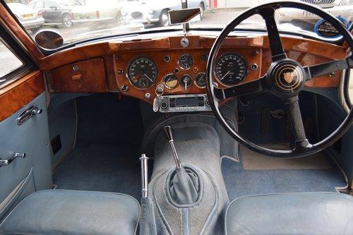 1955 White Jaguar XK140 FHC  For Sale (picture 3 of 6)