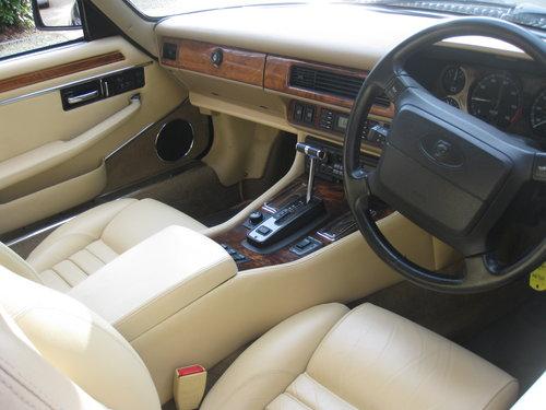 1993 Rare 6 Litre V12 Jaguar XJS Convertible.  For Sale (picture 3 of 6)