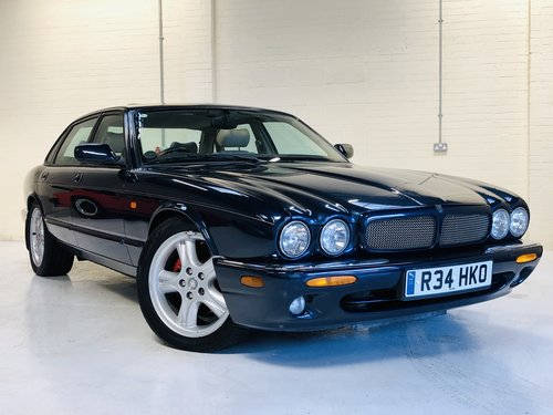 1998 JAGUAR XJR 4.0 SUPERCHARGED X308 - SAPPHIRE BLUE SOLD (picture 1 of 6)