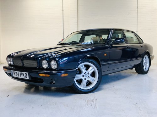 1998 JAGUAR XJR 4.0 SUPERCHARGED X308 - SAPPHIRE BLUE SOLD (picture 2 of 6)