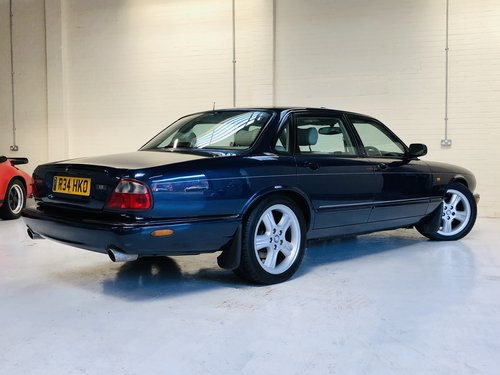 1998 JAGUAR XJR 4.0 SUPERCHARGED X308 - SAPPHIRE BLUE SOLD (picture 3 of 6)