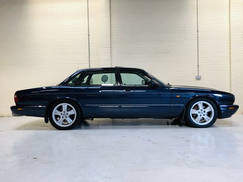 1998 JAGUAR XJR 4.0 SUPERCHARGED X308 - SAPPHIRE BLUE SOLD (picture 5 of 6)